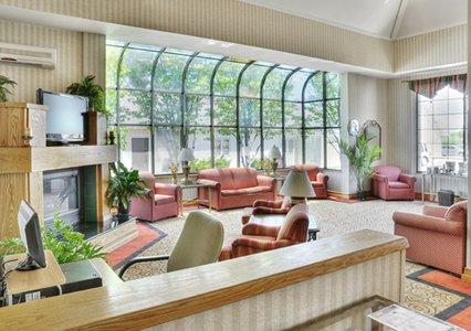 Econo Lodge in Erie PA